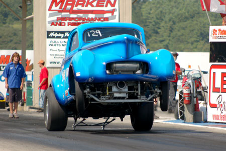 Auto Drag Racing on Drag Racing Canada   Drag Racing Associations